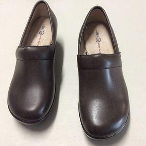 JBU by Jambu Dark Brown Leather Cordoba Clogs Sz 9